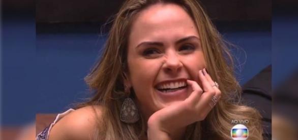 Público faz várias perguntas a Ana Paula