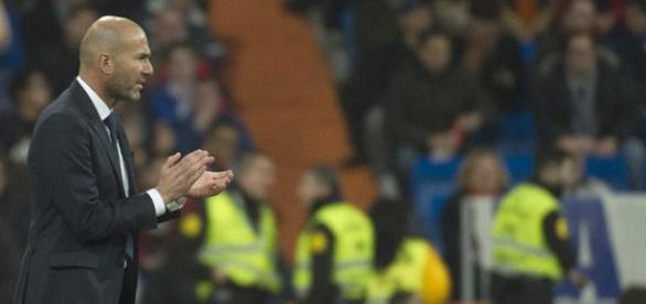 Zidane en un partido en el Santiago Bernabéu