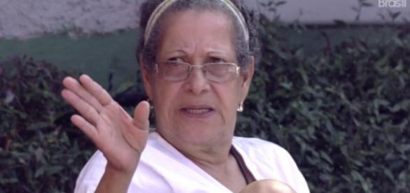 Dona Geralda incorpora espírito de Ana Paula
