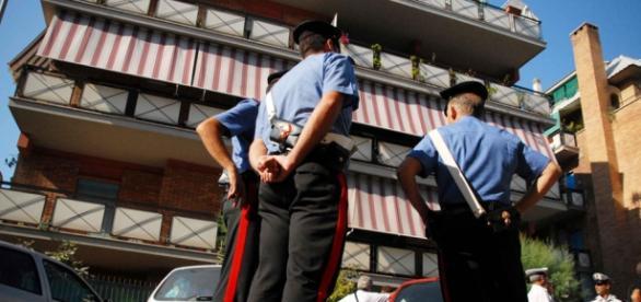 Carabinierii din Salerno fac anchete la firme