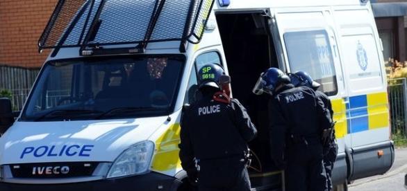 Poliția din UK a efectuat mai multe raiduri în Glasgow