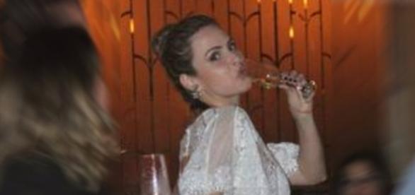 Ana Paula detona Val: 'ela nem sabe beber champanhe'