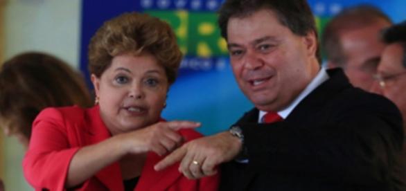 Dilma e Gim Argello em evento do governo - Imagem/Google