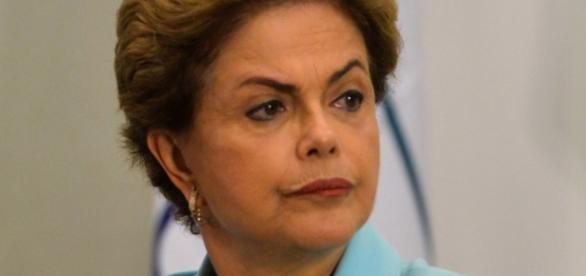 Dilma perde a primeira batalha.