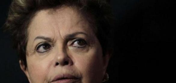 Dilma perde mais um ministro em meio à crise