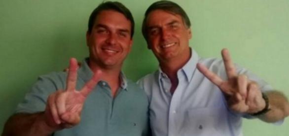 Filho de Jair Bolsonaro se mete em confusão