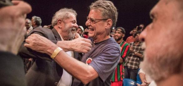 Lula e Chico Buarque se encontraram (Foto: Reprodução/ Facebook)