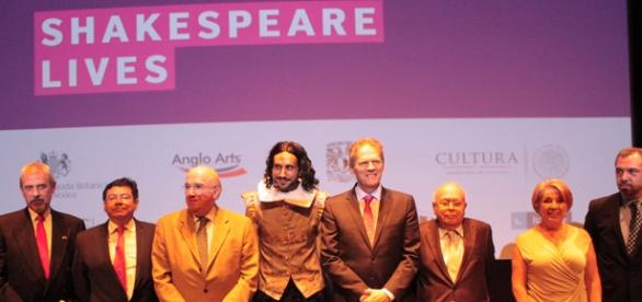Conferencia de prensa Shakespeare Lives
