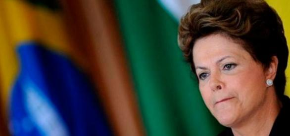 Dilma Rousseff convive com a sombra do impeachment