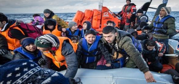Inmigrantes a bordo de una embarcación. MSF