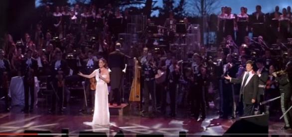 Isabel Pantoja y Juan Gabriel en concierto