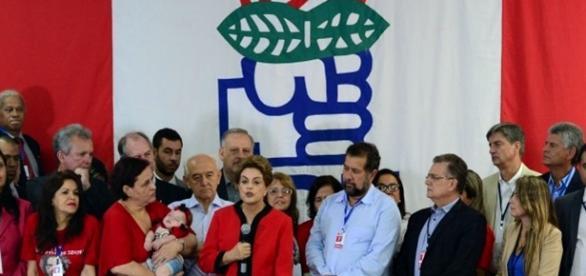 Dilma Rousseff com membros do PTB
