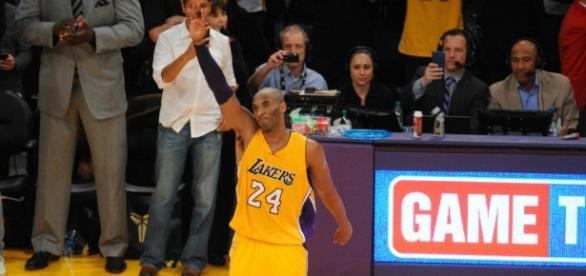 Kobe Bryant se retiró a lo grande en Los Angeles Lakers y se convierte en leyenda
