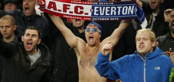 Michael Cullen en un partido del Everton esta temporada