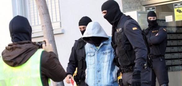 Las detenciones se han producido en Algeciras, por presuntas vinculaciones con el Estado Islámico