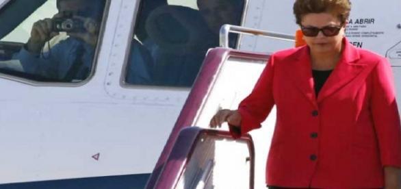 Dilma estaria planejando sair do Brasil