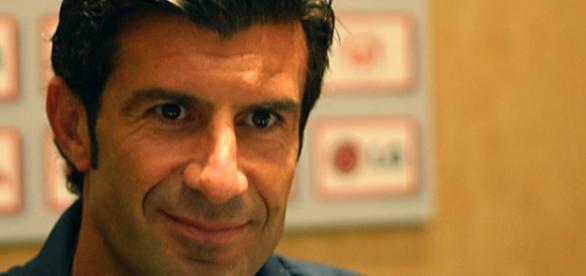 """Figo respondeu à questão da repórter do canal catalão por ela ser """"bonita""""."""