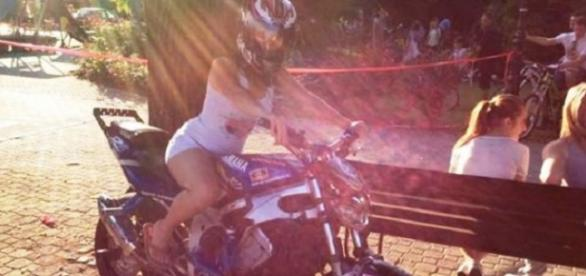 Iulia, motociclista sdrobită vineri la intrarea în Simeria