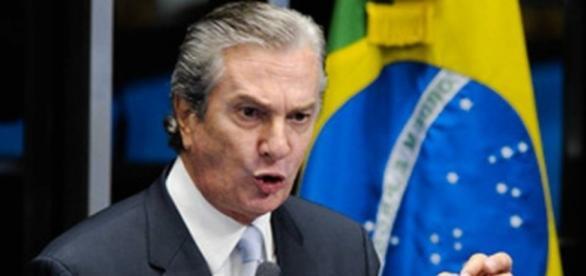 Fernando Collor de Mello em discurso no Senado