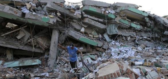 Número de vítimas no Equador sobe para 413
