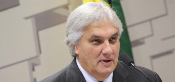 O senador Delcídio do Amaral teria, segundo seu ex-chefe de gabinete, atuado na nomeação de ministro para STJ com objetivo de soltar réus da Lava Jato