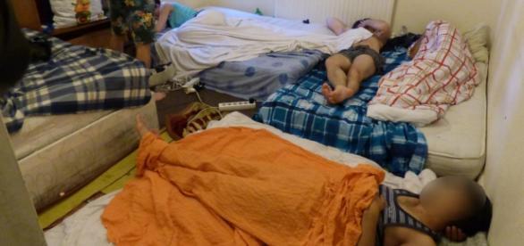 Românii trăiesc în conditii insalubre in Anglia