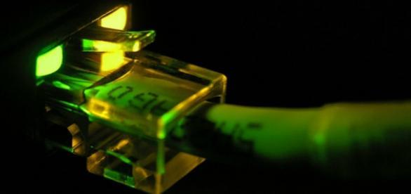 Governo Federal impede limitação da banda larga