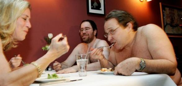 Restaurantul pentru nudiști The Bunyadi