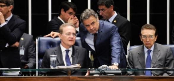 Senadores Aécio Neves e Renan Calheiros no Senado Federal, em Brasília