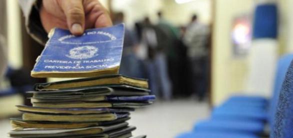 Desemprego cresce e assusta os trabalhadores brasileiros