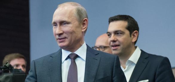 O 1º ministro grego, Alex Tsipras, com o presidente russo, Vladimir Putin