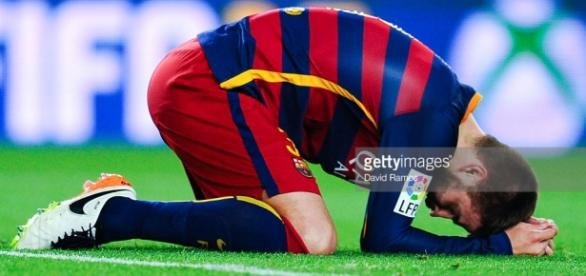 Piqué se lamenta tras perder una oportunidad de gol contra el Valencia