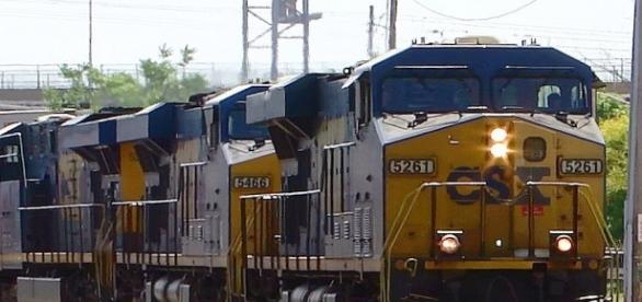 Trem de carga da transportadora CSX