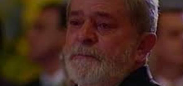 A população nada deve a Lula: ele não fez mais do que a obrigação