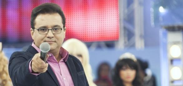 Alta cúpula da TV Record não gostou das criticas do funcionário