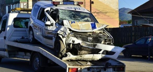 Maşina Poliţiei accidentată grav foto Express de Banat