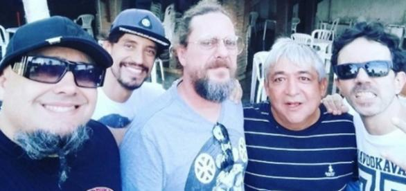 """Raimundos em visita ao """"puteiro"""" em João Pessoa"""