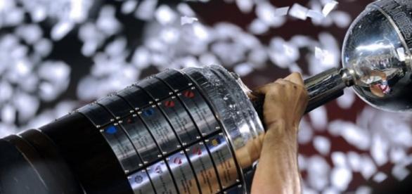 Un total de 16 equipos mantienen la ilusión intacta de alzarse con la Copa Libertadores 2016