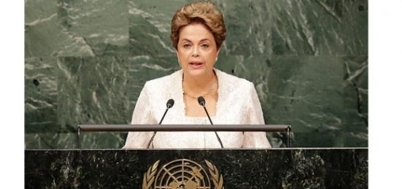 Dilma discursa na Assembleia Geral da ONU e não faz menção ao 'golpe'