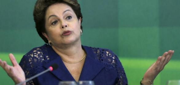 Dilma Rousseff confuso - Imagem da internet