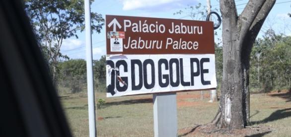 """Grupo nomeou Palácio do Jaburu de """"QG do Golpe"""" Foto: Fabio Rodrigues Pozzebom/Agência Brasil"""