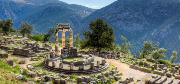 Ruínas atuais do Oráculo de Delfos na Grécia