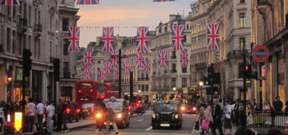 Inglaterra oferece bolsas de estudos para brasileiros