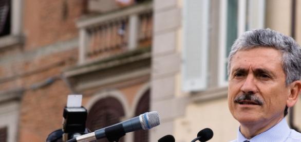 L'ex primo ministro Massimo D'Alema sarà in Brasile domani