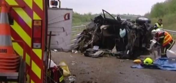O acidente destruiu por completo uma família