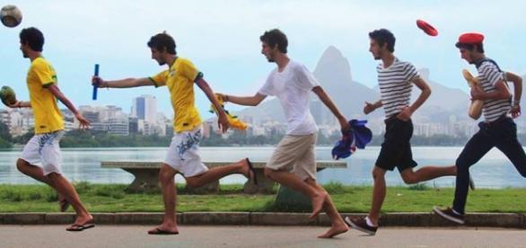 É grande o número de estudantes brasileiros que querem estudar fora do país