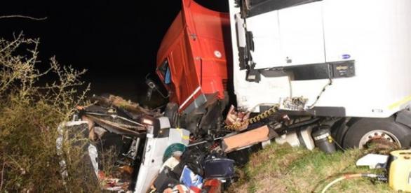 O acidente frontal matou doze pessoas