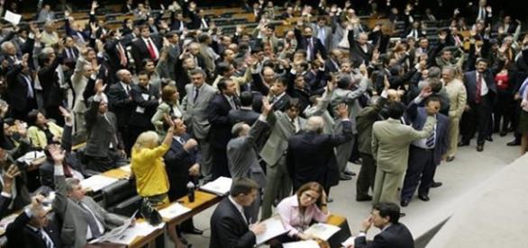 Parlamentares gostam de festa com sexo