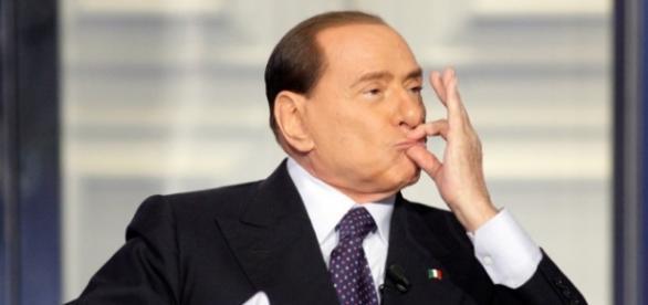 Berlusconi tutti zitti a Roma decido io!!
