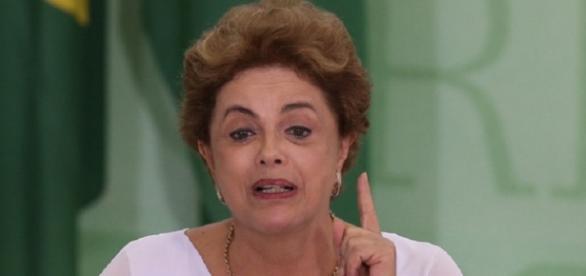 Dilma Rousseff faz discurso - Imagem/Google